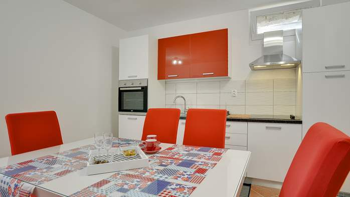 Nicely decorated studio apartment in Pula for 2 persons, 3