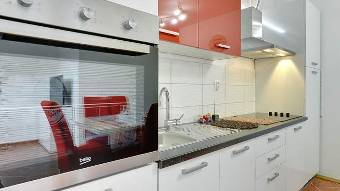 Nicely decorated studio apartment in Pula for 2 persons, 2