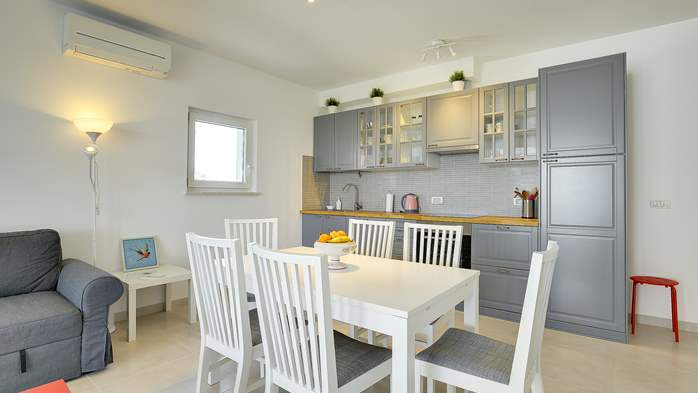 Elegant and air-conditioned apartment for up to 6 people, WiFi, 5