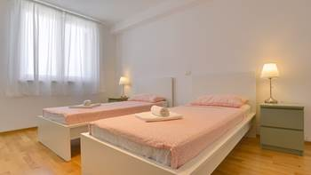 Pleasant apartment on the 2nd floor for 4-8 people, A/C, balcony, 9