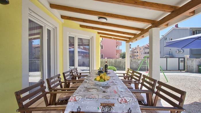 House near the sea in Medulin offers a private yard with BBQ, 35