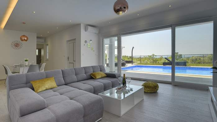 Gorgeous modern villa with private pool, sea view, terrace, WiFi, 9