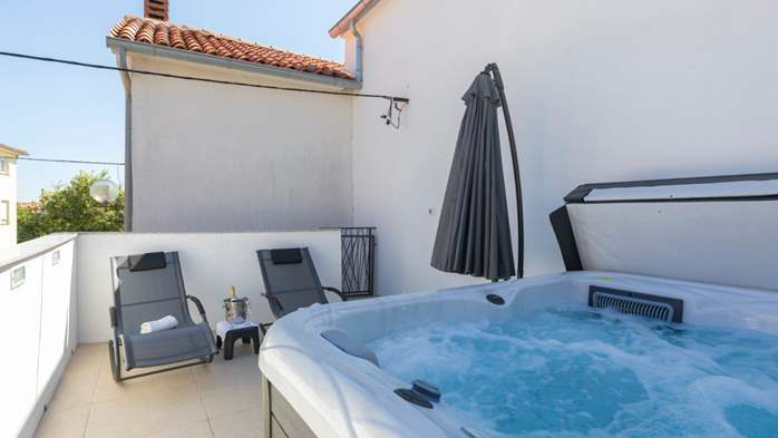 Beautiful renovated house in the center of Medulin, with Jacuzzi, 31