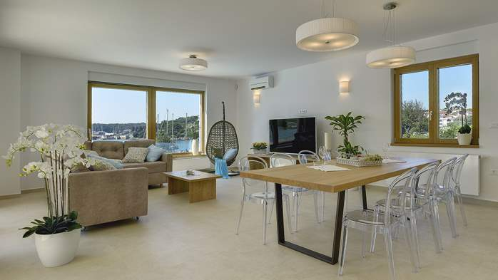 Enchanting villa in Pula with gorgeous pool directly on the beach, 22