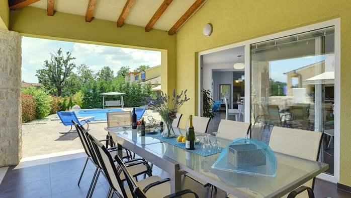 Attractive villa with 6 bedrooms, swimmingpool and Finnish sauna, 44
