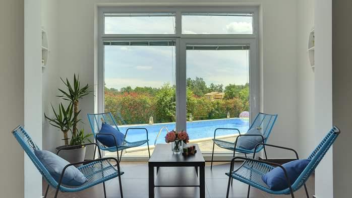 Attractive villa with 6 bedrooms, swimmingpool and Finnish sauna, 17