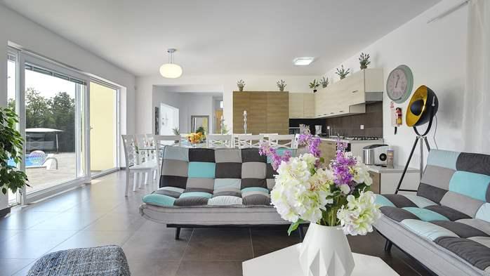 Attractive villa with 6 bedrooms, swimmingpool and Finnish sauna, 14