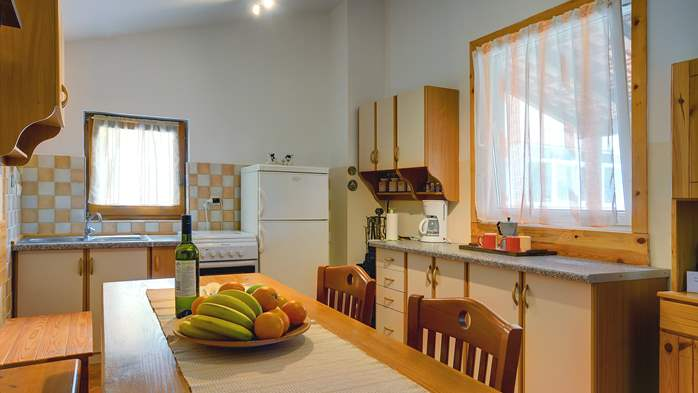 Holiday house for 4 persons in Pula with bbq, air co, WiFi, 8