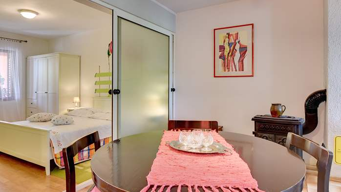 Apartment for six persons with three terraces, free WiFi, parking, 8