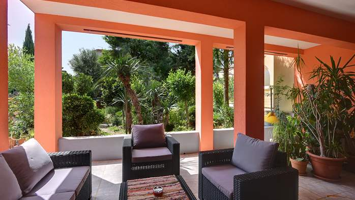Apartment for six persons with three terraces, free WiFi, parking, 14