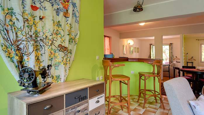Apartment for six persons with three terraces, free WiFi, parking, 4