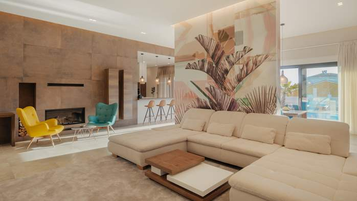 Luxury villa in Pula with heated pool and Jacuzzi for ten persons, 33