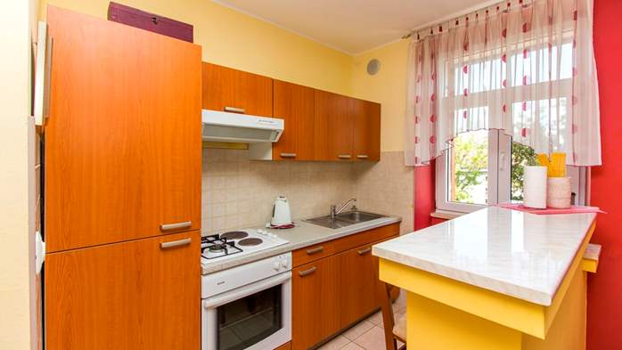 Air-conditioned apartment on the first floor with sea view, 7
