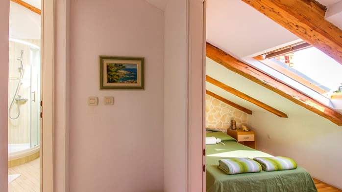Apartment with beautiful sea view, for 5 persons, 16