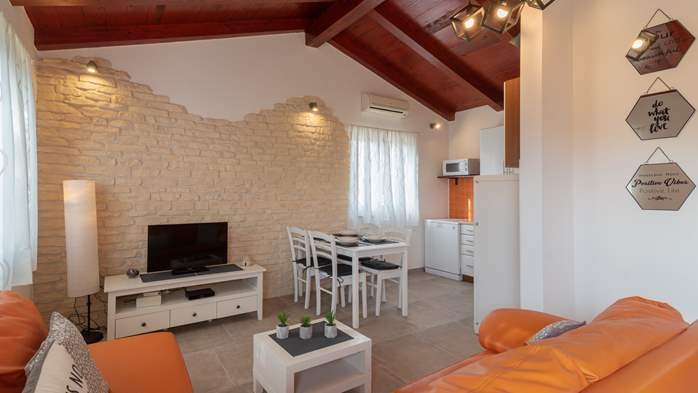 Nice house in Fažana with beautifully landscaped garden and BBQ, 11