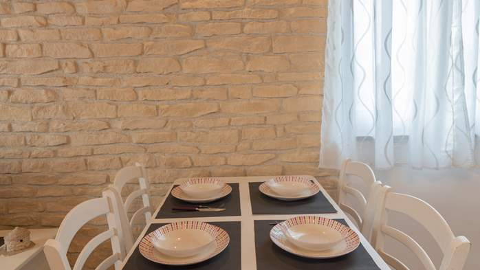 Nice house in Fažana with beautifully landscaped garden and BBQ, 13