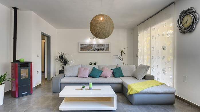 Beautiful two-storey villa with private pool for up to 8 people, 20