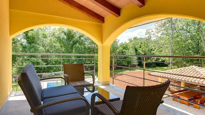 Beautiful two-storey villa with private pool for up to 8 people, 26