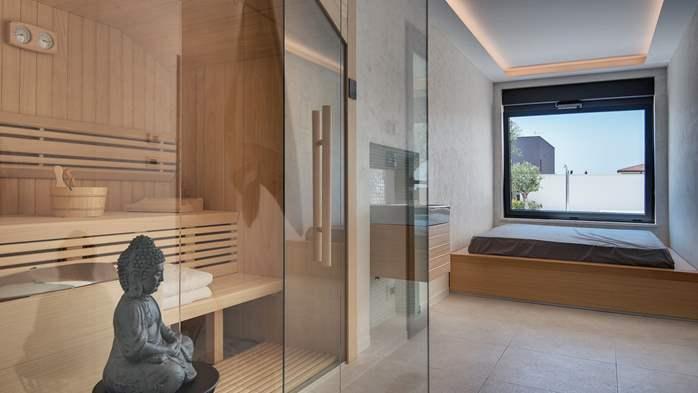 Luxury villa with outdoor pool, Finnish sauna and playroom, 36