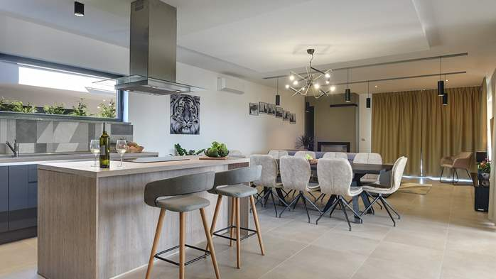 Modern villa in Pula, for 10 persons, offers a pool and sauna, 20