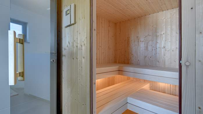 Modern villa in Pula, for 10 persons, offers a pool and sauna, 38