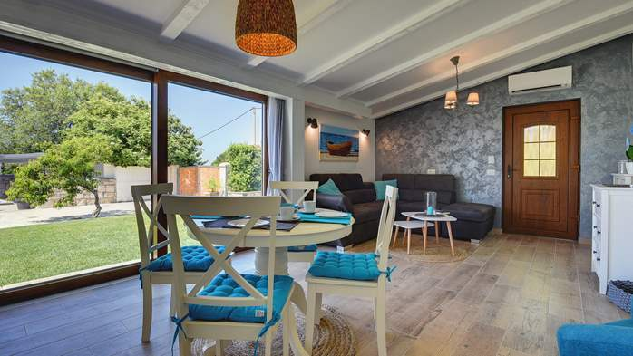 Villa with pool and outdoor kitchen surrounded by greenery, 15