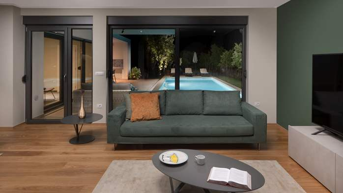 Modern villa with Finnish sauna and private pool for eight people, 22