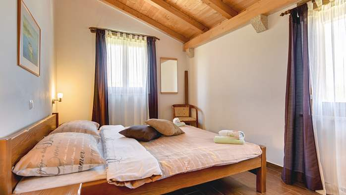 Traditional Istrian villa for 12 persons with private pool, 21