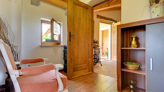 Traditional Istrian villa for 12 persons with private pool, 25