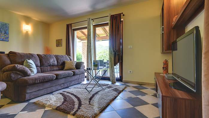 Traditional Istrian villa for 12 persons with private pool, 31