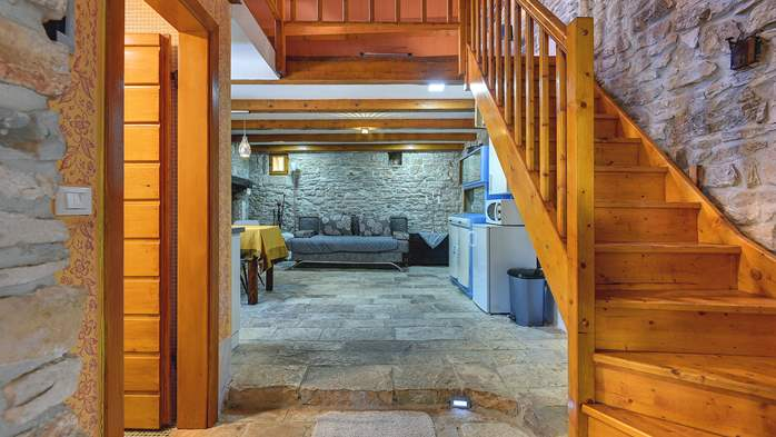 Beautiful stone house with swimming pool and terrace for 3 pax, 14