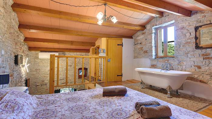 Beautiful stone house with swimming pool and terrace for 3 pax, 17