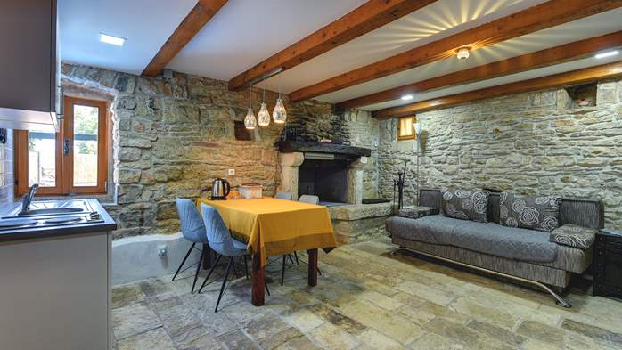 Beautiful stone house with swimming pool and terrace for 3 pax, 9