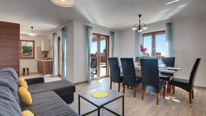 Beautiful villa with stunning sea views, pool, terrace, billiards, 19