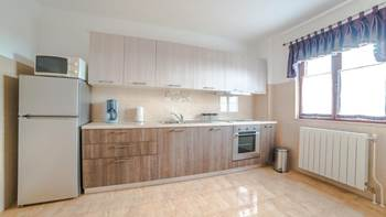 Charming air-conditioned apartment for 5 people, balcony, jacuzzi, 6