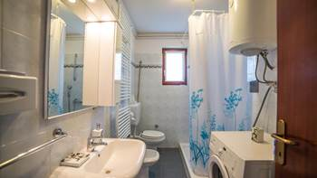 Charming air-conditioned apartment for 5 people, balcony, jacuzzi, 11