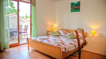 Charming air-conditioned apartment for 5 people, balcony, jacuzzi, 7
