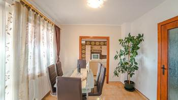 Charming air-conditioned apartment for 5 people, balcony, jacuzzi, 4