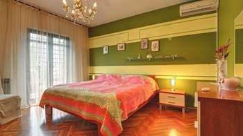 Spacious apartment in Pula, shared pool, WiFi and parking space, 10