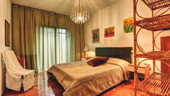 Spacious apartment in Pula, shared pool, WiFi and parking space, 11