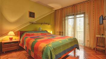 Spacious apartment in Pula, shared pool, WiFi and parking space, 12