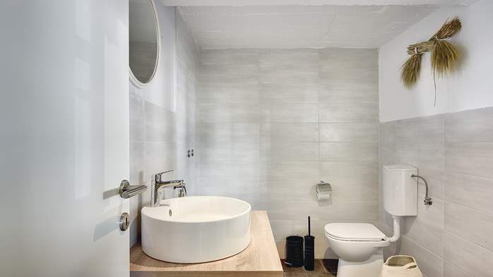 Stone villa on three floors with private pool, 27