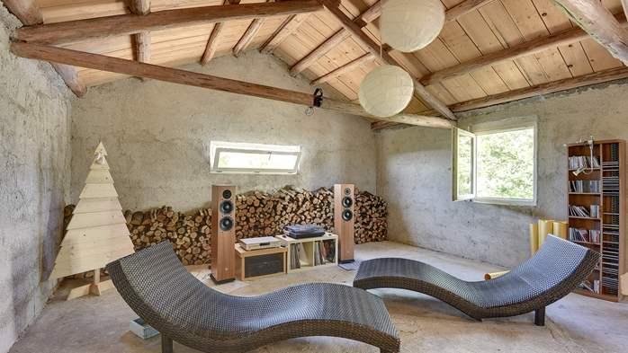 Stone villa on three floors with private pool, 30