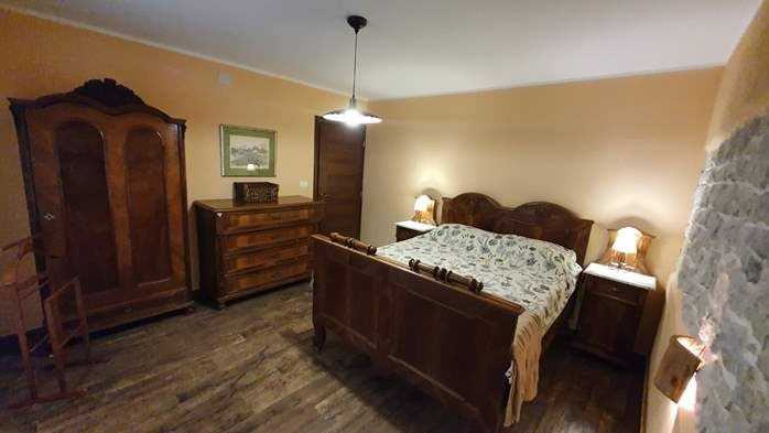 Spacious air-conditioned apartment for 5 persons, with terrace, 8