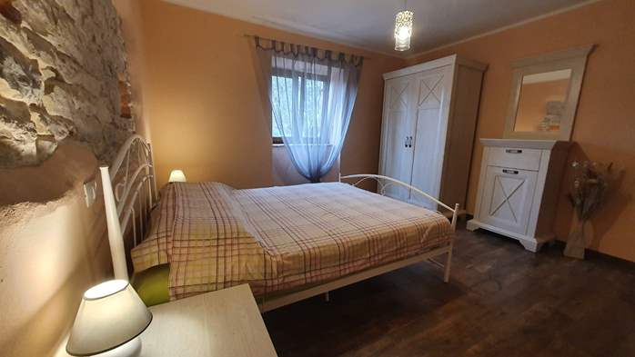 Spacious air-conditioned apartment for 5 persons, with terrace, 12