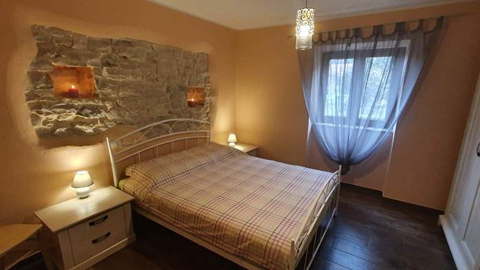Spacious air-conditioned apartment for 5 persons, with terrace, 11