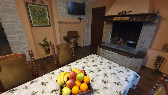 Spacious air-conditioned apartment for 5 persons, with terrace, 3