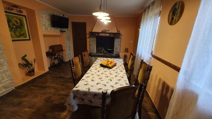 Spacious air-conditioned apartment for 5 persons, with terrace, 4