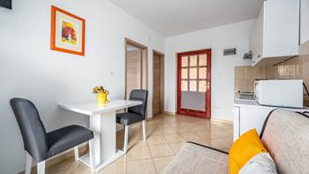 Lovely air conditioned apartment for 3 persons, WiFi and SAT-TV, 2