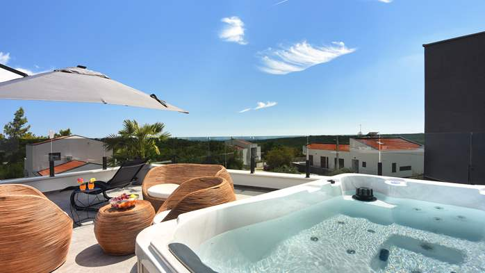 Spectacular villa with jacuzzi and private pool, 39